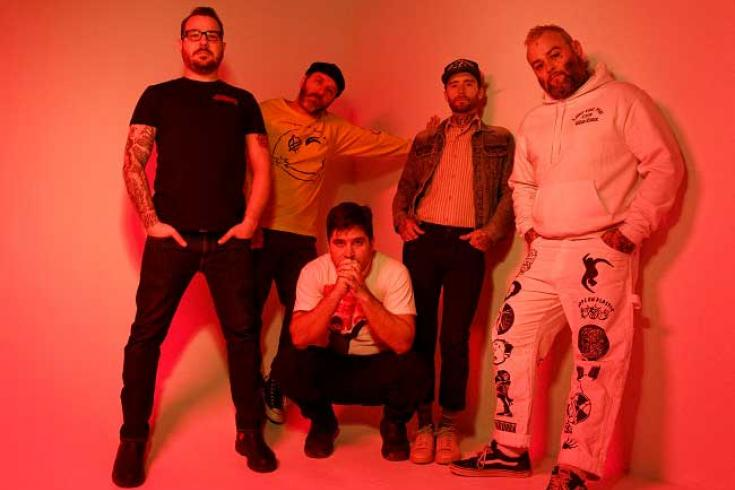 Alexisonfire share new single 'Complicit'