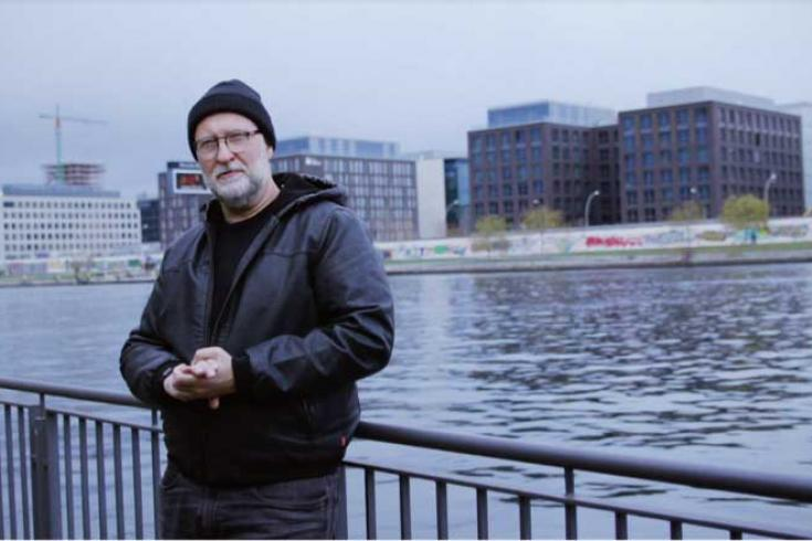 Bob Mould shares Berlin-inspired docu-video and announces signature pedal