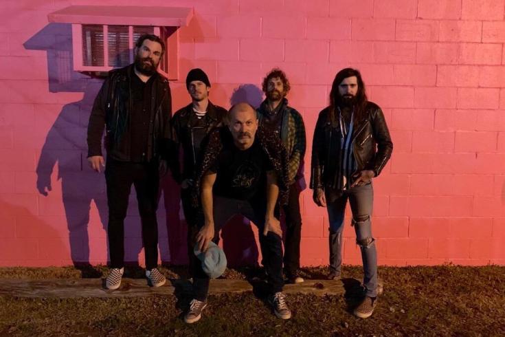 Evening Shadows (Strike Anywhere, Valient Thorr, ASG,...) share new single 'Karma Snake'