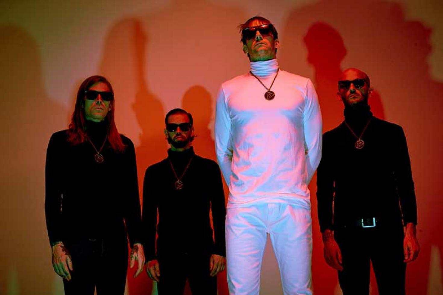 Drakulas share video for 'Fashion Forward'