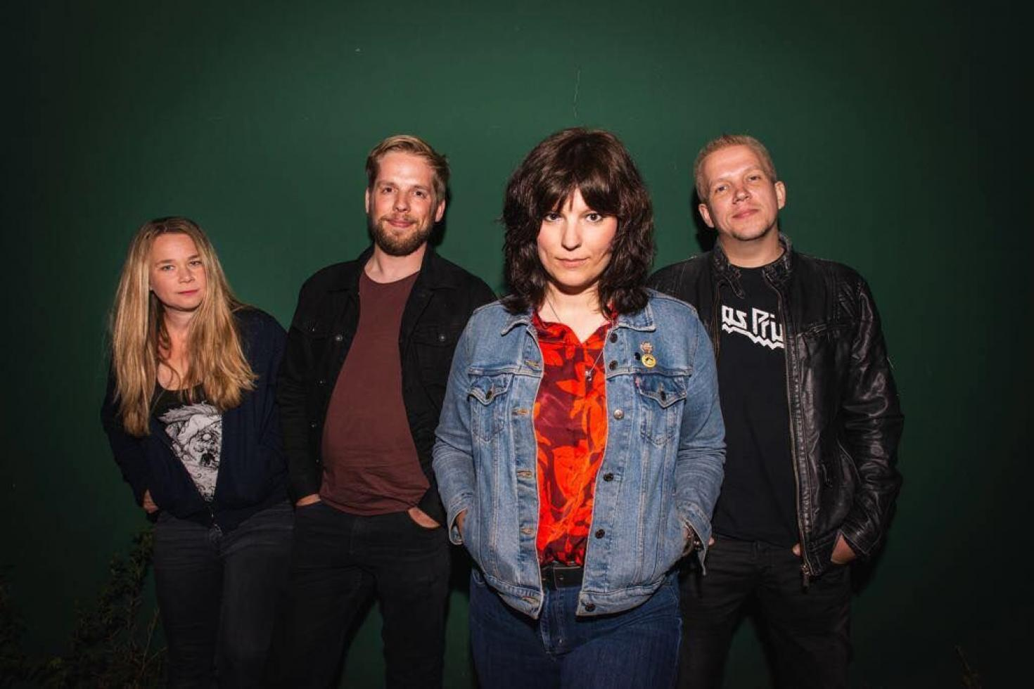 March release new single 'Fear Of Roses'