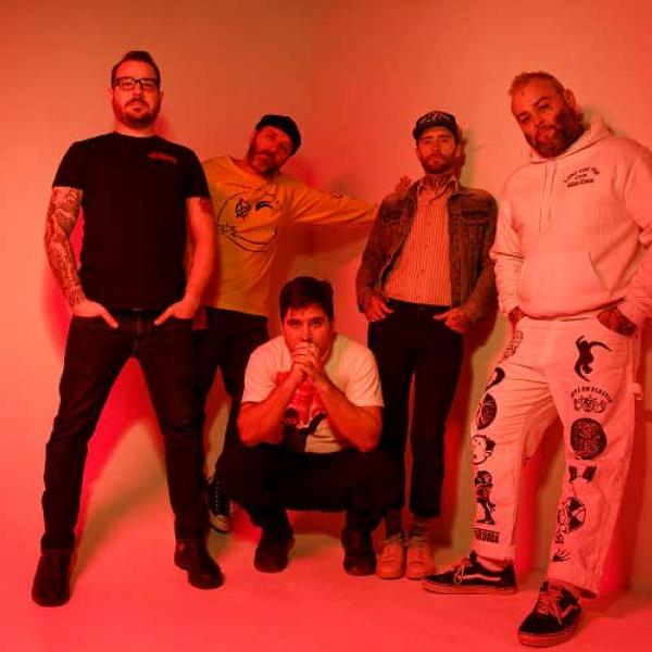 Alexisonfire share new single 'Complicit'