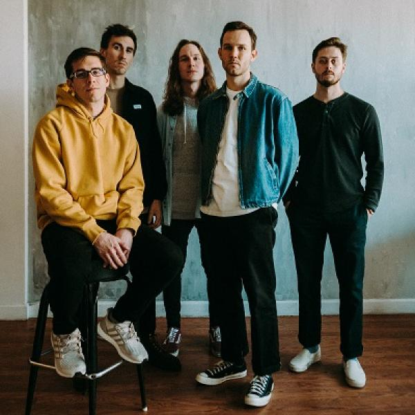 Knuckle Puck share 'Earthquake' video